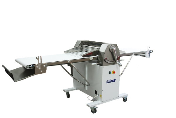 OPERATION OF THE MACHINEThe thickness adjustment l